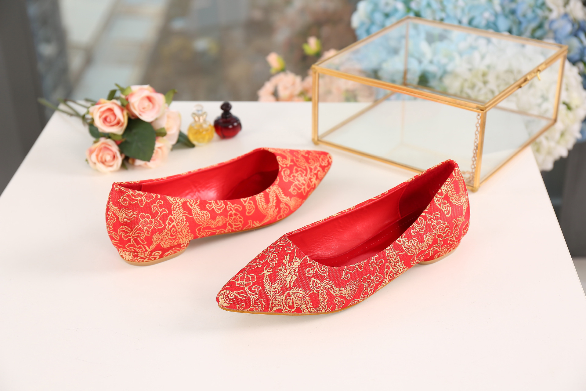 Marriage Shoes Red Chinese Style Embroidery Embroidered Ellipse With Low Heel Pointed Bridal Shoes Wedding Shoes Red Shoes Cheon