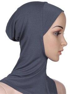 Image 1 - Gorros deportivos musulmanes para niñas, Hijab, para interiores, Islamic, suaves, elásticos, bajo la bufanda, sombreros, estilo clásico cruzado, venta al por mayor