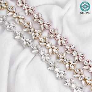 Image 2 - (1 stocznia) srebrna wyszywana aplikacja z kryształu górskiego wykończenia złota żelazko na sukni ślubnej WDD0278