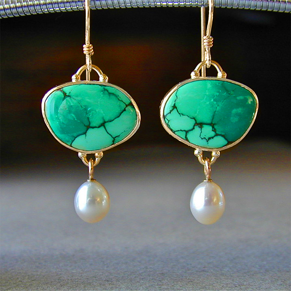 Huitan Retro Green Paster Women Earring with Simulated Pearl Elegant Female Earring Vintage Party Fine Gift Gold Color Jewelry