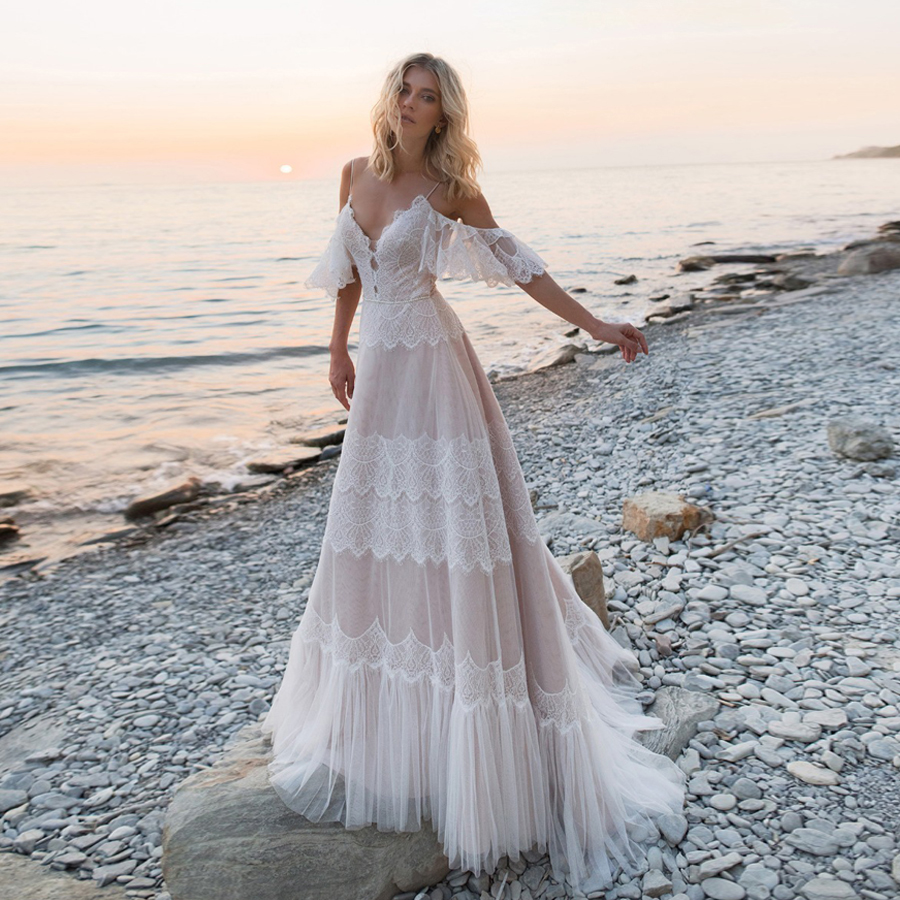 Spaghetti Straps Bohemian Boho Beach Wedding Dresses Nude Champagne Off The Shoulder Bridal Dresses Vestidos De Renda