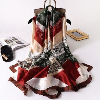 Écharpes en soie à motifs 2