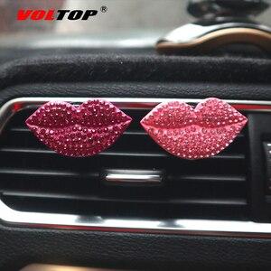 Image 3 - Clip de parfum de voiture rouge à lèvres ornements de voiture sortie dair tableau de bord décoration accessoires de voiture pendentif suspendu intérieur