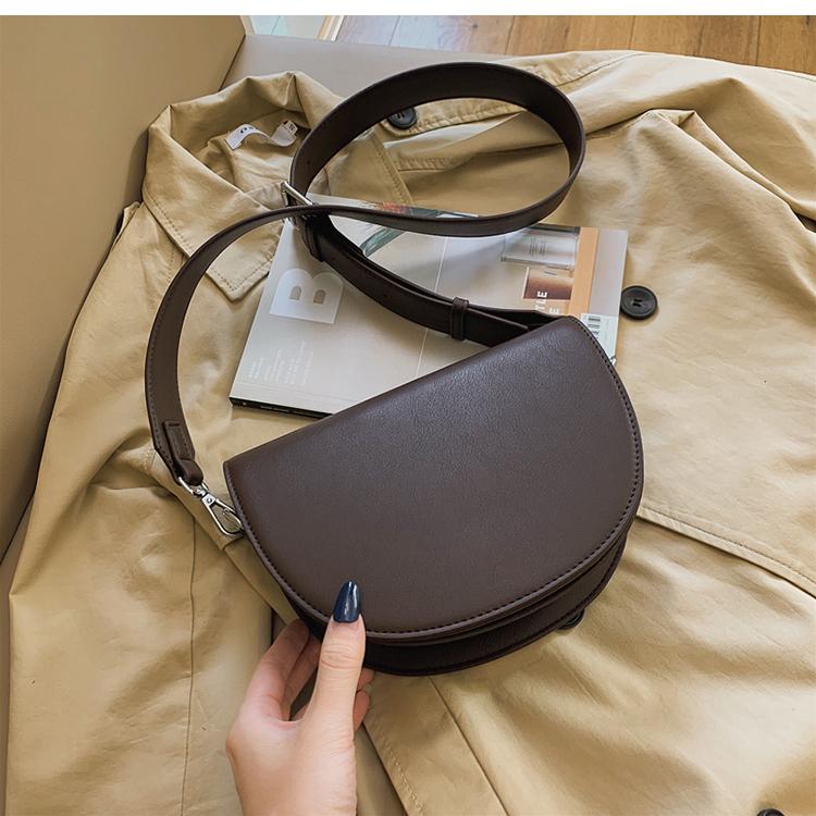 Винтажная однотонная сумка мессенджер новая качественная женская