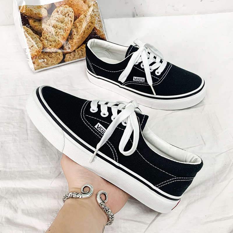 Men Casual Canvas Shoes High Quality Fashion Sneakers Lace-up Vulcanize Shoes Unisex Flats Low-cut Skateboarding Classics Style