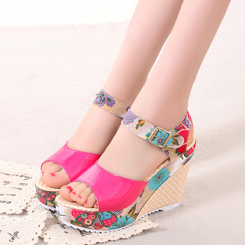 2018-Women-Sandals-Summer-Platform-Wedges-Casual-Shoes-Woman-Floral-Super-High-Heels-Open-Toe-Slippers (1)