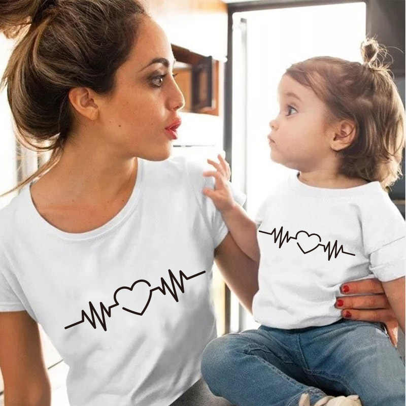 Liefde Hartslag Katoen Familie Bijpassende Kleding Baby Meisje Kleding Outfits Moeder En Dochter T-shirt Zomer Baby Mama Tshirt
