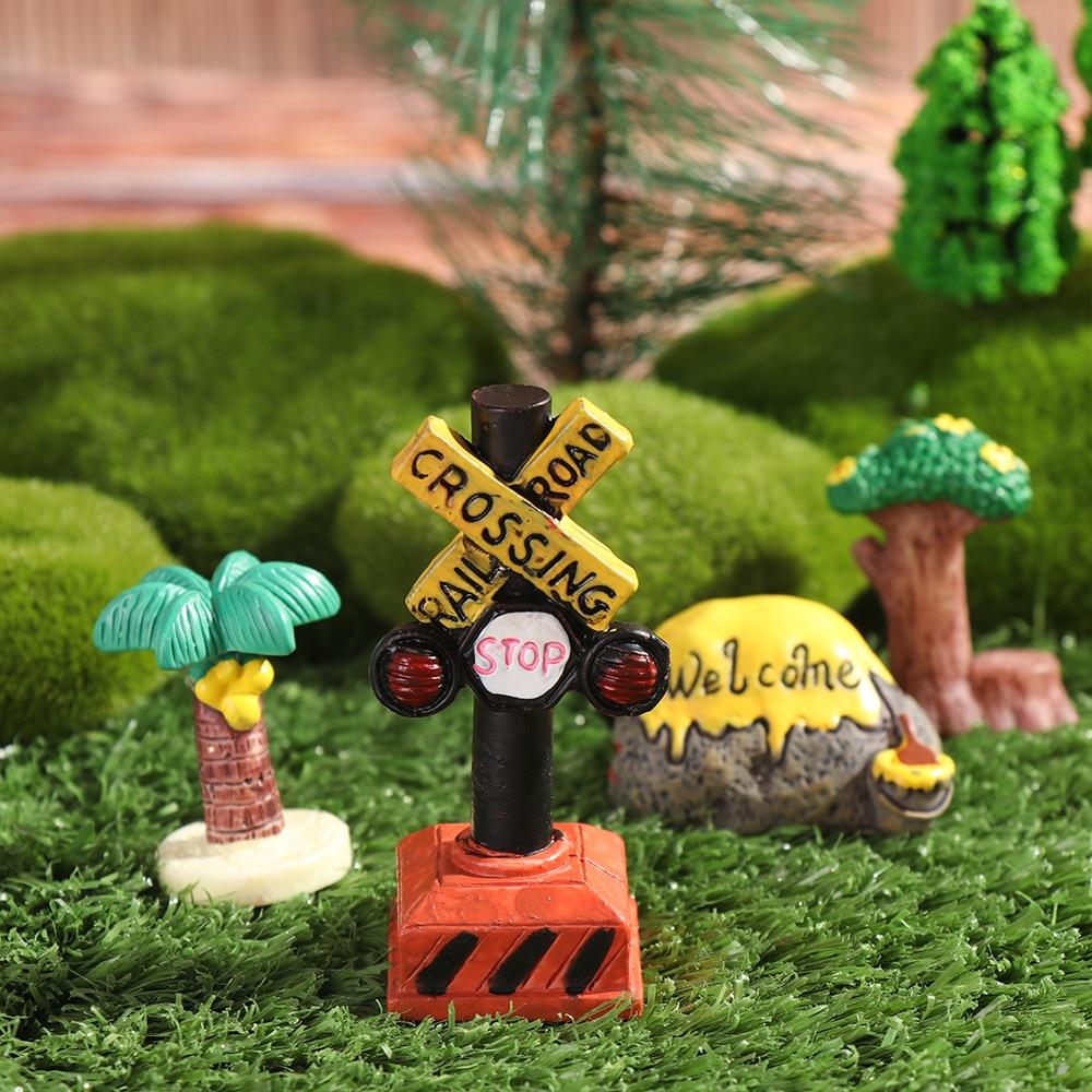1 Pc Mini Road Sign Simulation Stone Signpost Micro Landscape Doll House Desktop Ornament Resin Craft Gift Fashion Home Decor-1