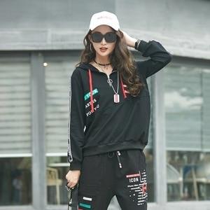 Image 2 - MAX Luluฤดูใบไม้ผลิ 2020 แฟชั่นยุโรปสุภาพสตรีฟิตเนสเสื้อและกางเกงสตรีสองชิ้นHooded Casualพิมพ์ชุด