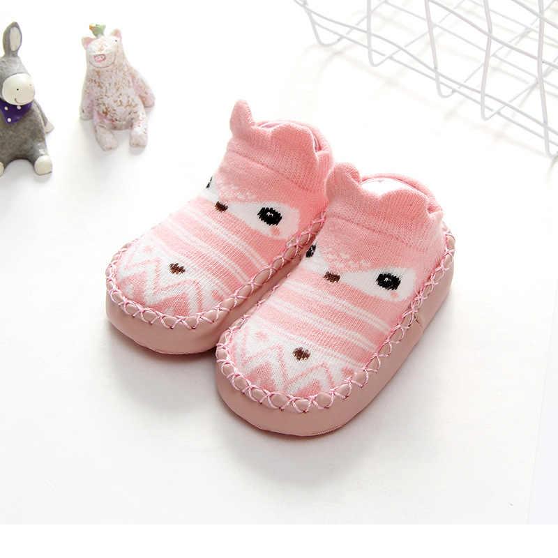 Модные детские носочки с резиновой подошвой, носки для малышей и малышек, начинающих ходить, новорожденных осень-зима детей носки-тапочки обувь Нескользящие мягкие недорогого материала