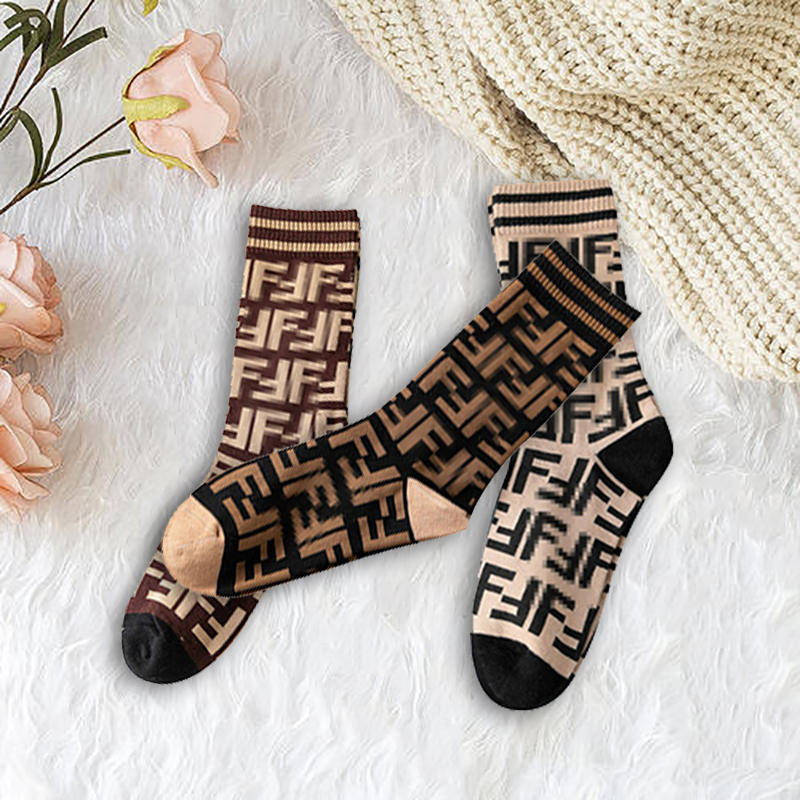 Модные уличные спортивные носки для женщин и мужчин с буквами 3 пары Классические хлопковые повседневные носки унисекс для пар для обычных ...