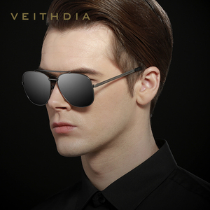 Image 2 - VEITHDIA Marke männer Vintage Sonnenbrille Edelstahl Sonnenbrille Platz Polarisierte UV400 Objektiv Männlichen Brillen Zubehör Für Männer