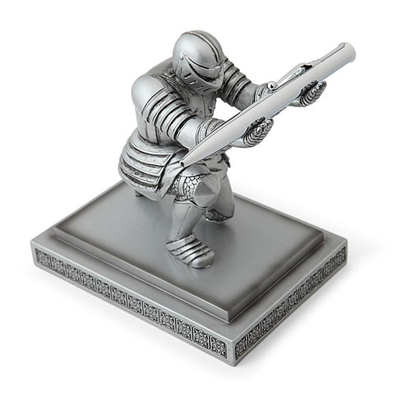 Résine créative exécutif chevalier porte-stylo armure chevalier Statue mode personnalisé décoration de la maison accessoires stylo support