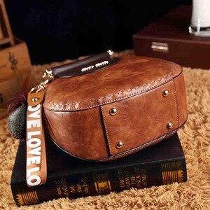 Image 4 - Petit été Vintage sacs pour femmes 2020 Pu cuir fourre tout sac à main femme messager épaule main bandoulière luxe concepteur AB02