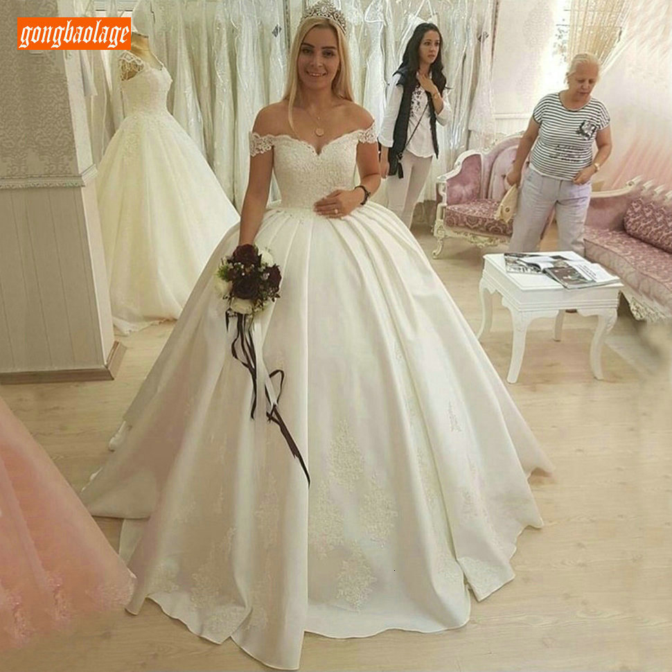 Sexy Ivory Ball Gown Wedding Dresses Sweetheart Satin Applique Lace White Wedding Gowns Off The Shoulder Sweep Train Bride Dress
