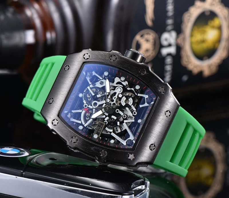 2020 TOP BRAND ANALOG Diamond MILITARY MALE WATCHES Diver Watches Stainless Steel Wrist Man  Male Clock