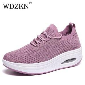 Image 1 - WDZKN baskets tendance maille dair compensé pour femmes, chaussures tendance à talon compensé, chaussettes tricotées, plateforme pour femmes, chaussures décontractées H668