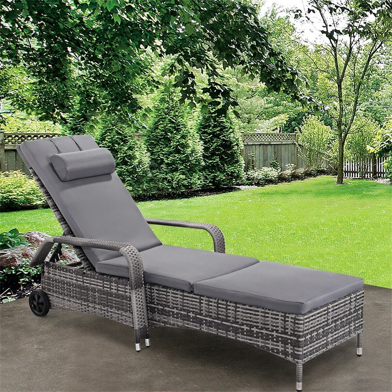 Outdoor Rattan Adjustable Cushioned Lounge Chair Folding Patio Chairs Outdoor Patio Furniture HW53958