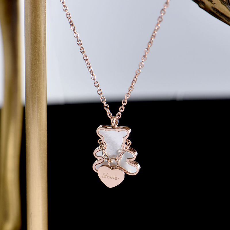 YUN RUO Lovely Little Heart Bear Pendant Necklace Rose Gold Titanium Steel Jewelry Woman Gift Not Change Color Drop Shipping
