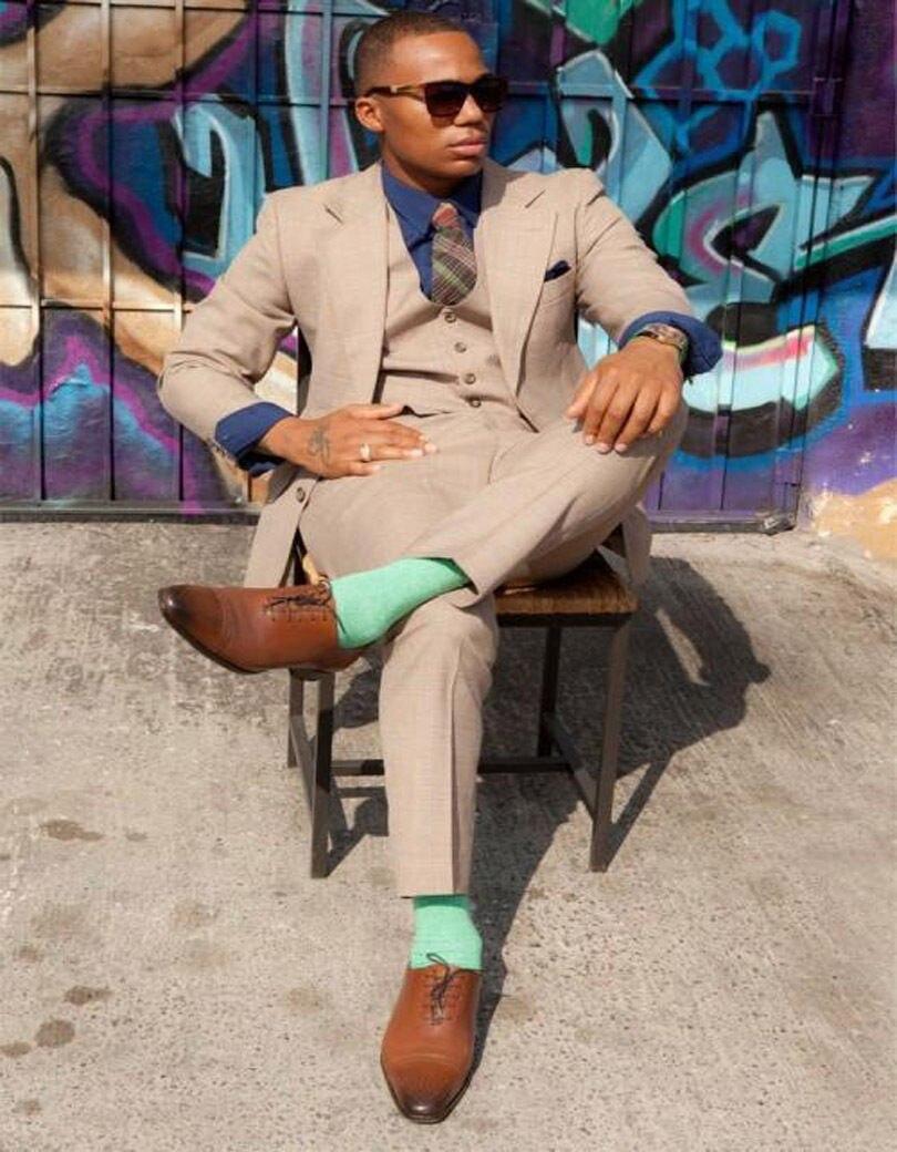 Notch-Lapel-Latest-Coat-Pants-Design-Men-Suits-Bespoke-Fashion-Tuxedos-Gentlemen-Classical-Jacket-Pants-Tie
