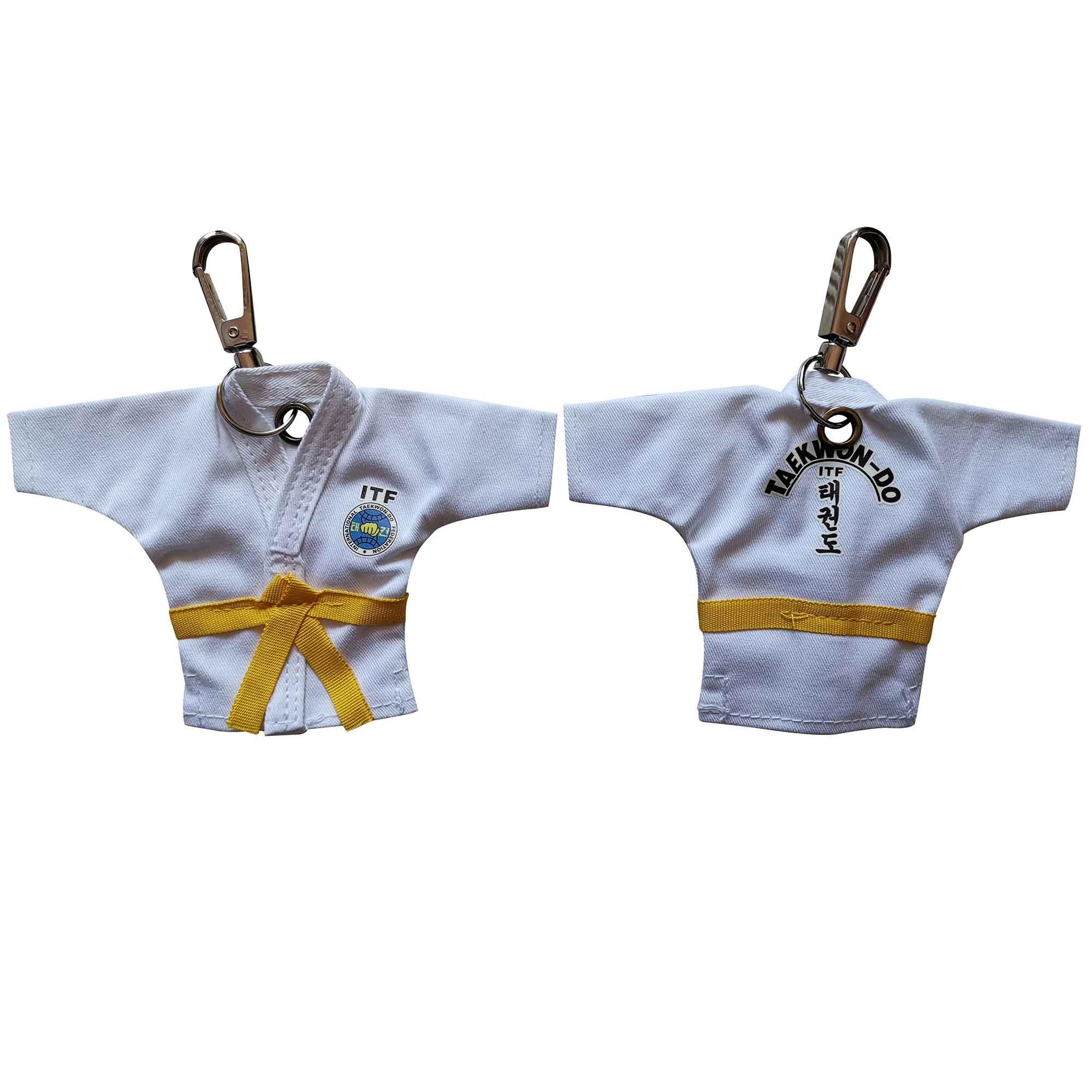 5 Colors Sale Keychain ITF Taekwondo Uniform Kimono Supplies Cartoon Pendant Taekwondo Sport Gifts Keepsake Key Button Key Ring