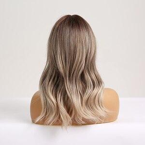 Image 3 - Cheveux synthétiques bruns, blonds et ombrés, pour femmes noires, perruque de Cosplay, vague moyenne, résistante à la chaleur, pour femmes noires