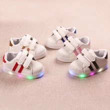High quality lace up infant tennis fashion cute baby sneakers LED casual shoes girls boys