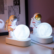 cute cosmonaut desk Night Light Creative astronaut Resin Ornaments decor Child Gift home decoration accessories for living room