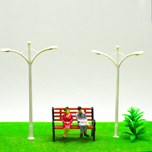 1:200 Z scale Plastic Streets Lamp Model Railway Street Lighting Kids Toys making Double-heads Lamppost