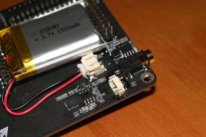 Image 5 - 最新バージョンportapack H2 + hackrf 1 sdrラジオ + 大混乱ファームウェア + 0.5ppm tcxo + 3.2 インチのタッチ液晶 + 1500 3000mahのバッテリー