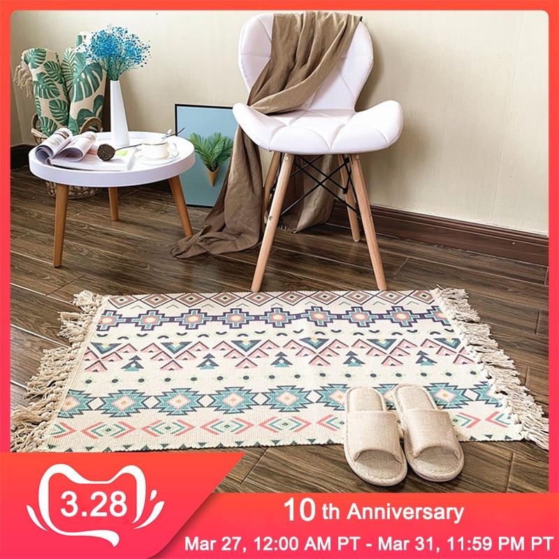 Bohemian Hand Woven Cotton Linen Carpet Tassel Bedside Floor Mat Area Rug Living Room Bedroom Tapete Para Sala Home Decoration