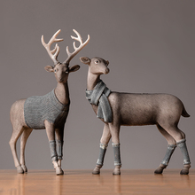 Nordic Style Deer Table Piece Deer in Sweater Resin Animal Statues Creative Home Decoration Art Ornament
