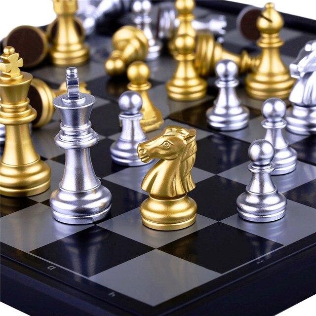 Jeu d'échecs de voyage magnétique or/argent pliant de 25x25cm pour des enfants ou des adultes 6