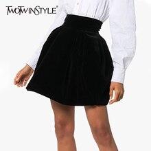 TWOTWINSTYLE ベロアシャーリングスカートのための女性のカジュアルなハイウエスト秋 A ラインの女性のスカートのファッション衣類 2020 潮新