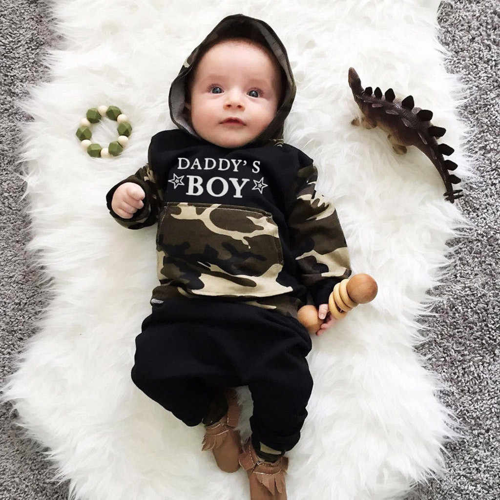 幼児男の子服セット手紙パーカー Tシャツ迷彩トップス + パンツ服セット男の子服 Vetement ベベギャルソン @ 47