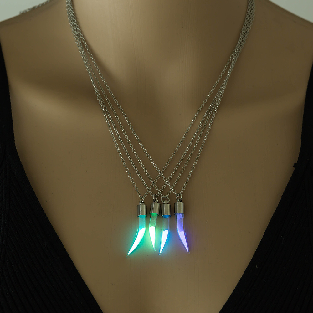 Luminous Glow in the Dark Women Power Necklace for Girl Pepper Glass Hourglass Pendant Necklace with Chain Glow Bright(China)