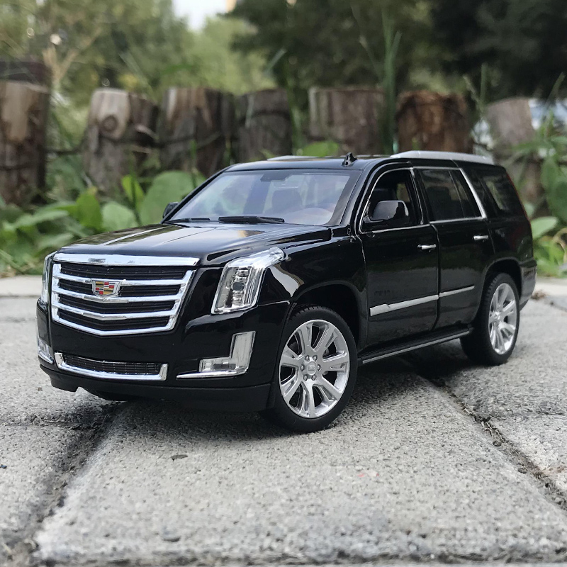 Welly 1:24 Cadillac Escalade 2017 SUV Off Road Vehicle Car Diecast Display Metal Model Birthday Children Toy Toy For Kid Boys