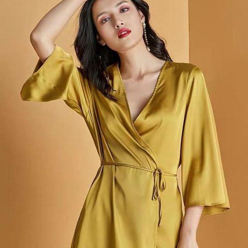 One-piece Nightgown Summer Pajamas Women's Seductive халатик Robes Bathrobes Rayon Solid Color Bride Bridesmaid Robes 2020