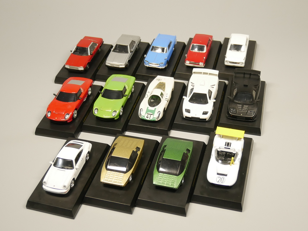 Kyosho 1:64 Scale Diecast Model Car Alloy Car Model