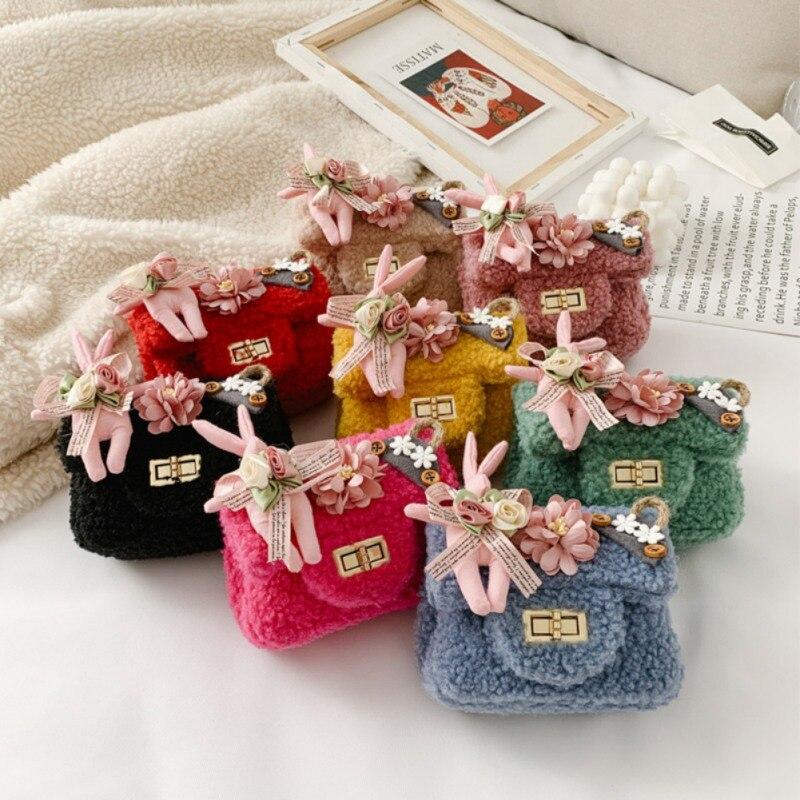 Girls Children 2020 New Fashion Plush Crossbody Messenger Bag Cute Flower Rabbit Design Woolen Flap Hasp Chain Messenger Bag