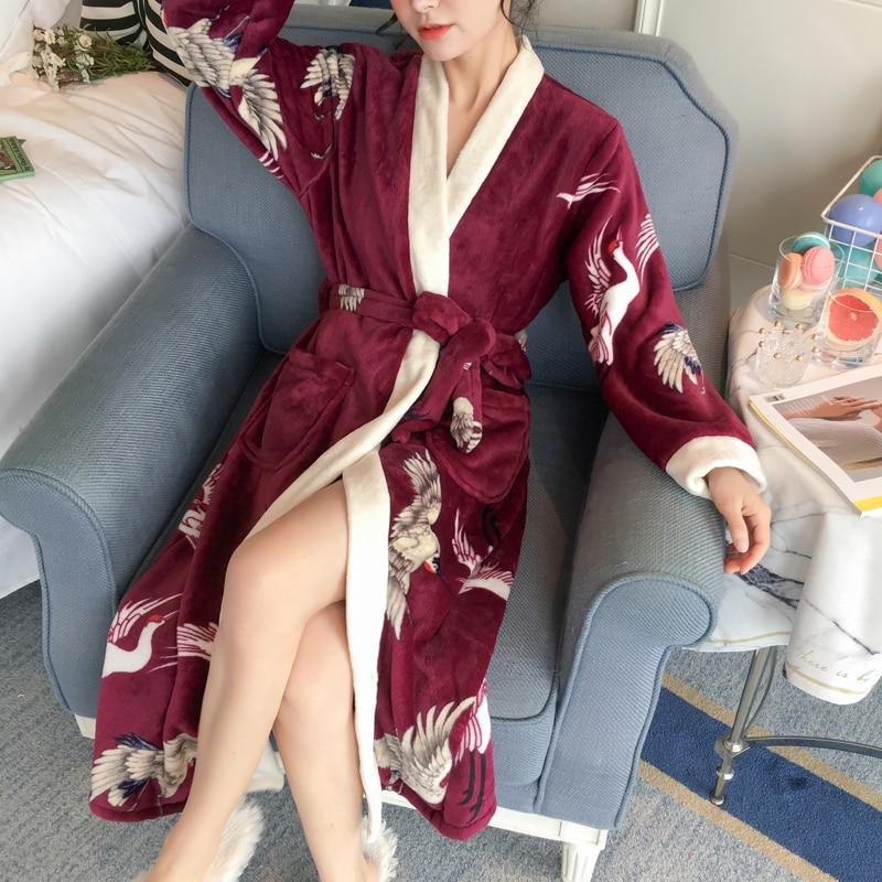 Loose PersonalityThicken Nightgowns Winter Bathrobe Women Pajamas Bath Flannel Warm Robe Sexy Sleepwear Womens Robes Gold Velvet