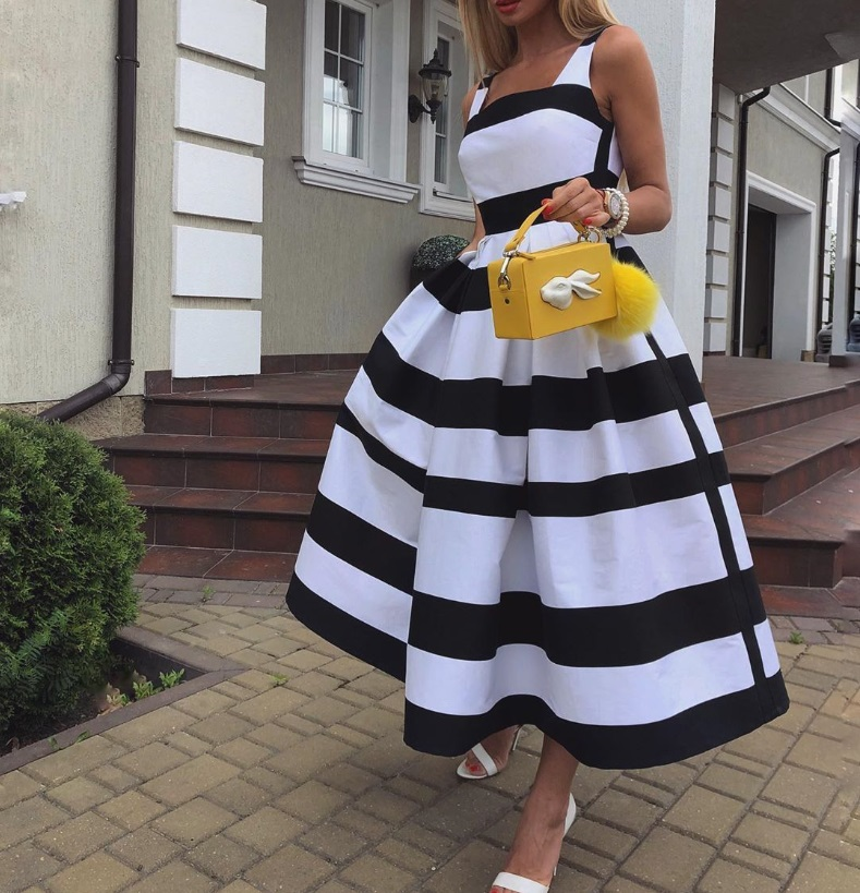 Bestselling Autumn And Winter Black And White Striped Sleeveless New Fashion Vintage Short Ball Gown Dress