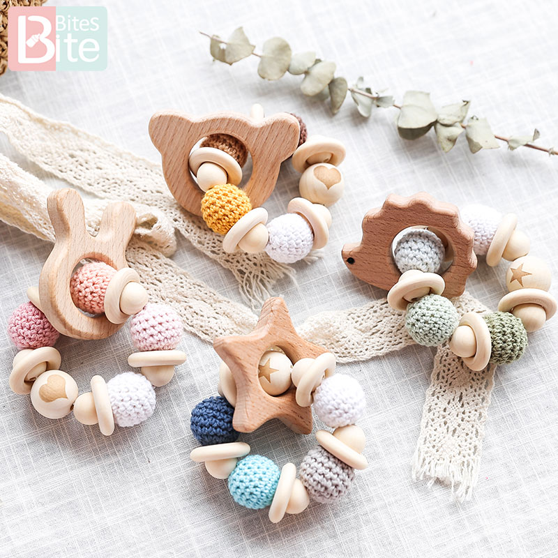 1PC Wooden Teether Hedgehog Pandent Baby Bracelet Crochet Beads Wood Crafts Ring Engraved Beads Baby Teether Wooden Toys Product