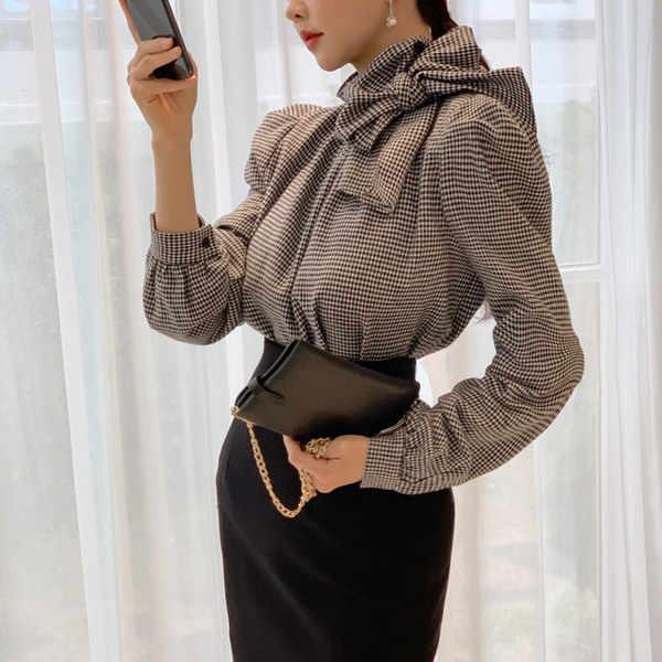 LLZACOOSH yeni bahar ofis bayan 2 parça takım elbise moda kadın ekose yay balıkçı yaka gömlek Tops + siyah Bodycon kalem etek seti