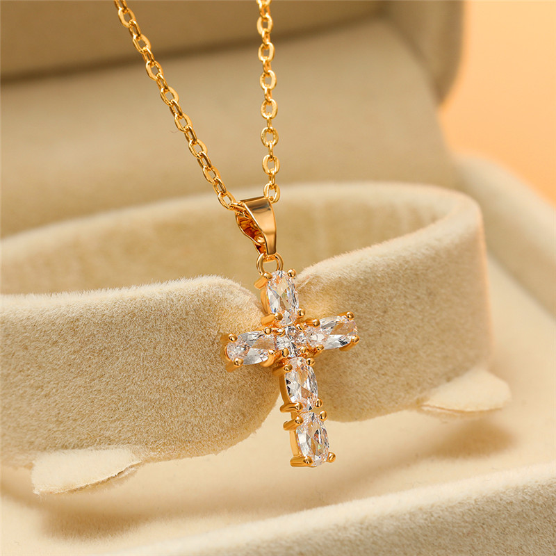 Luxury Female White Crystal Pendant Necklace Charm Silver Color Chain Necklaces For Women Cute Bridal Cross Wedding Necklace