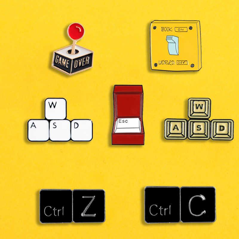 Keyboard Tombol Pins WASD ESC Ctrl C Enamel Pin Lencana Bros Kerah Pin untuk Tas, Topi, Topi, Pakaian Permainan Perhiasan Hadiah untuk Teman