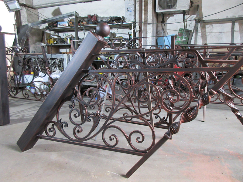China Top Quality Indoor Outdoor Wrought Iron Balcony  Iron Balustrades