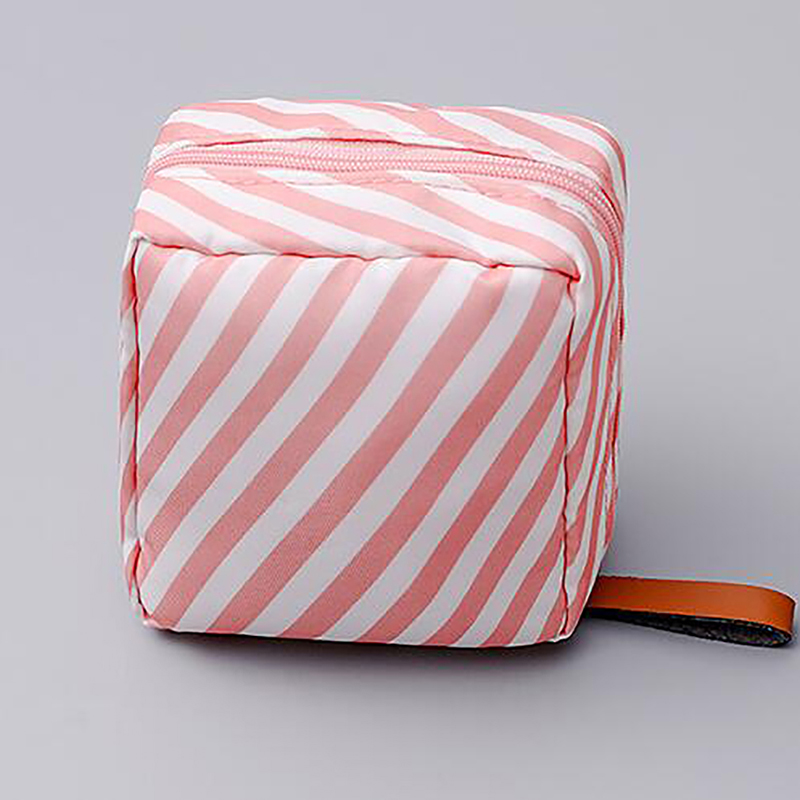 2020 New Square Women Makeup Bag Travel Make Up Organizer Cosmetic Bag Female Storage Toiletry Kit Case