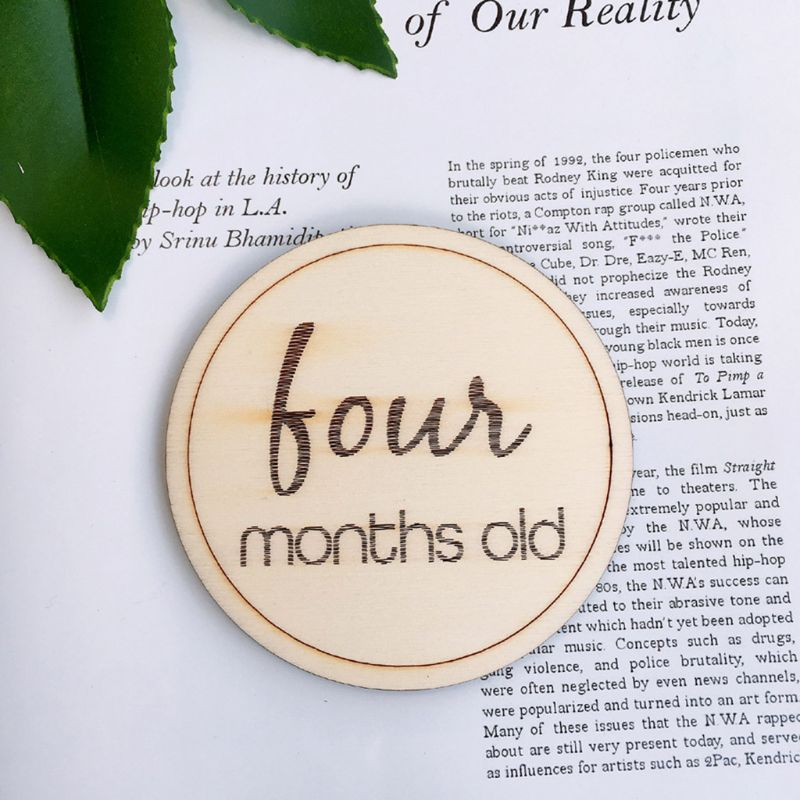12 Pcs/set Baby Monthly Milestone Wooden Card Infants Photography Props Kids Newborn Shower Gifts 72XC