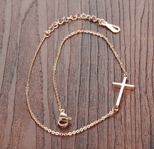 Trendy Rose Gold Stainless Steel Cross Bracelet For Women Hand Chain Hand Accessories For Women stylish rhinestones faux pearls rose gold bracelet for women